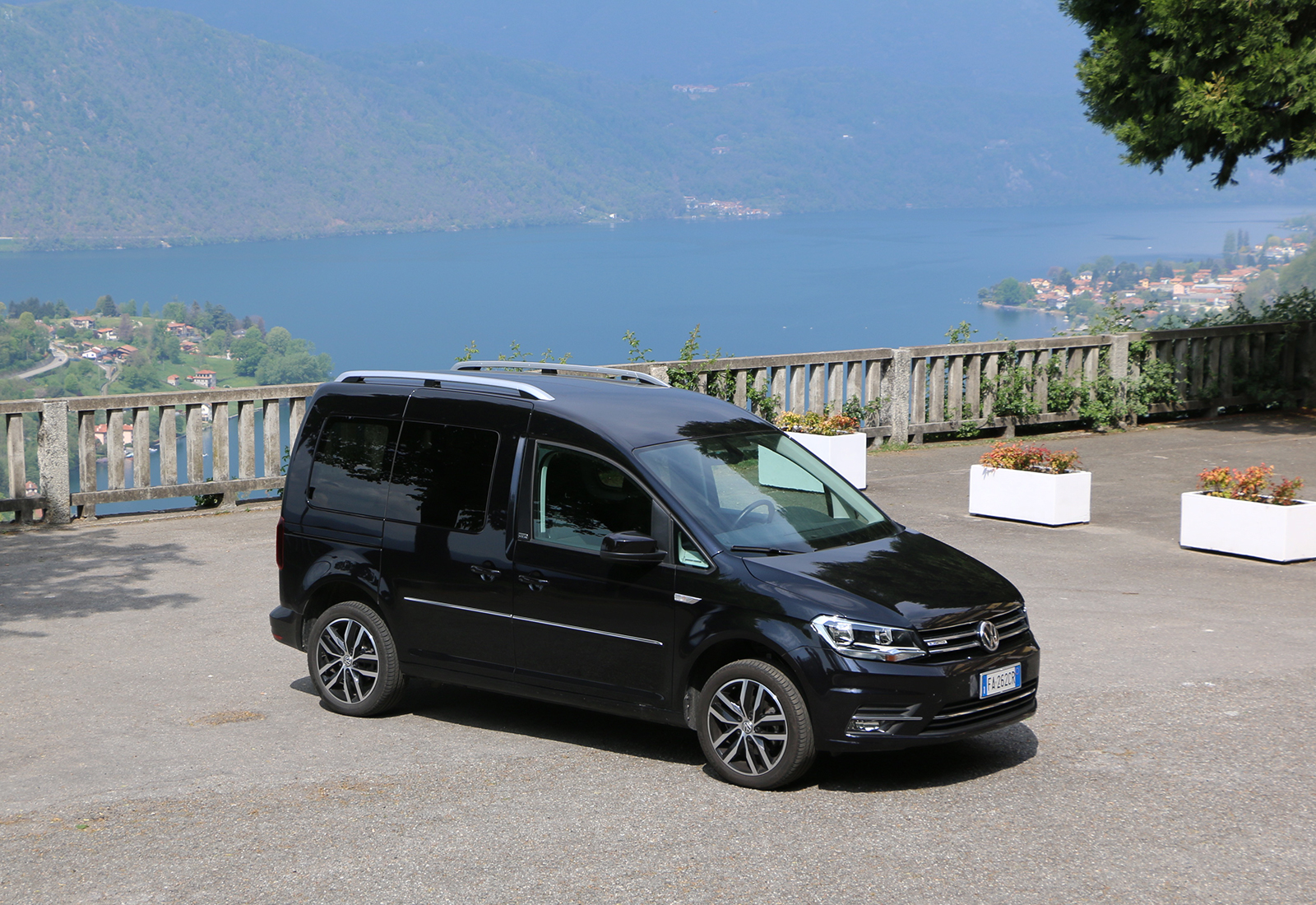 volkswagen caddy 1 4 tgi la prova del minivan a metano. Black Bedroom Furniture Sets. Home Design Ideas