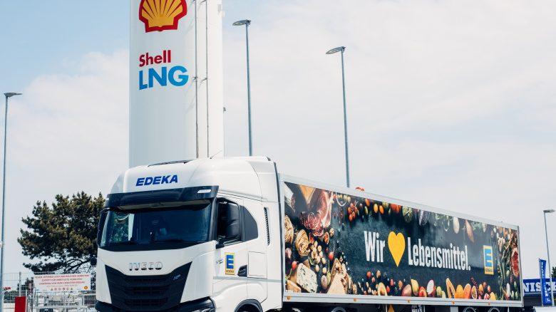Tre IVECO S-WAY a gas naturale della flotta di EDEKA Minden-Hannover