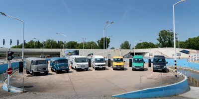 Il Mercedes-Benz Sprinter compie 25 anni: la sua storia e l'arrivo dell'eSprinter