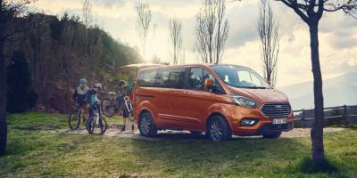 Ford Tourneo Custom: ora è anche mild hybrid