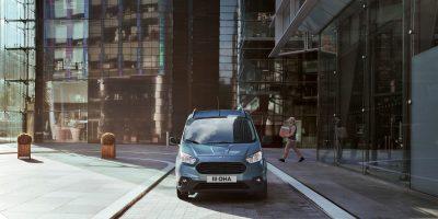Ford Transit Courier restyling: poche modifiche per il piccolo furgone dell'Ovale Blu