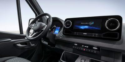 Nuovo Mercedes Sprinter: le prime foto degli interni