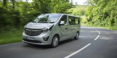 Opel Vivaro, primo contatto nella versione Combi