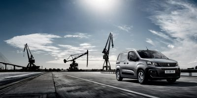 Peugeot Partner: le foto e i dati del furgone francese
