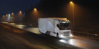 Volvo Trucks al lavoro sull'ibrido