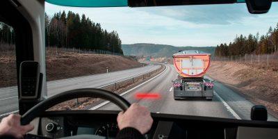 Volvo Trucks: come funziona il sistema Distance Alert