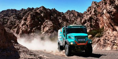 Dakar 2017: Gerard de Rooy fora 2 pneumatici