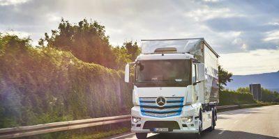 Il confronto tra eActros Mercedes-Benz e filo-camion