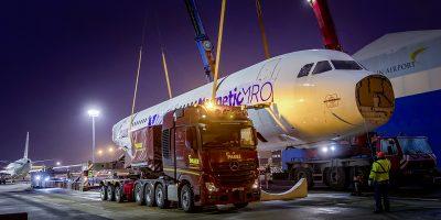 Mercedes Actros SLT, in viaggio con un Airbus da 90 tonnellate