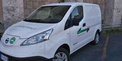 Nissan: è partito il van sharing elettrico a Roma
