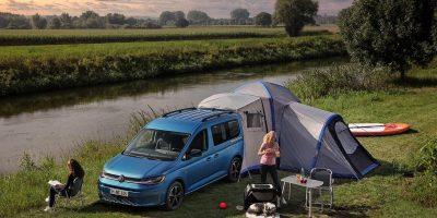 """Nuovo Volkswagen Caddy California, le caratteristiche del """"mini camper"""""""