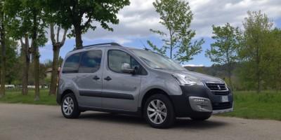 Prova su strada Peugeot Partner Tepee Outdoor, il furgone in veste civile
